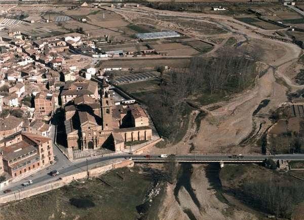 Calahorra . Catedral y puente sobre el Cidacos